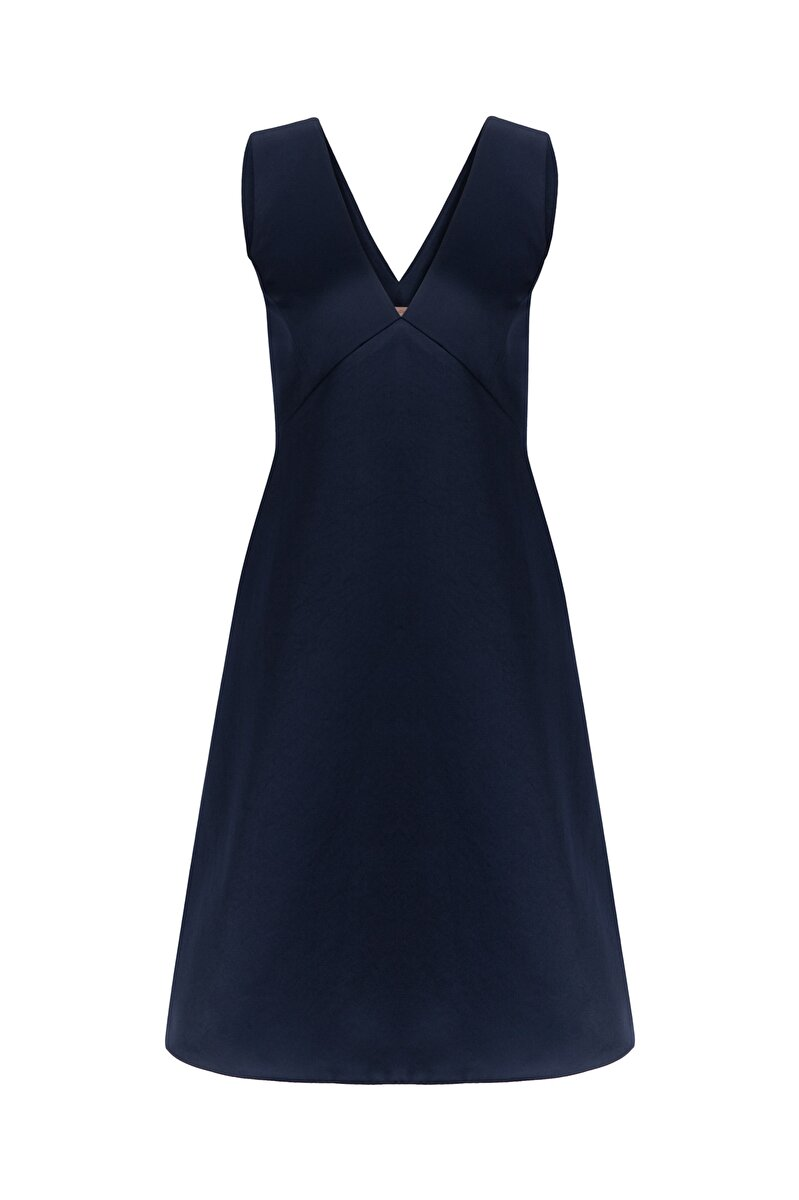 V NECK SATIN DUCHESS DRESS WITH CLEAVAGE