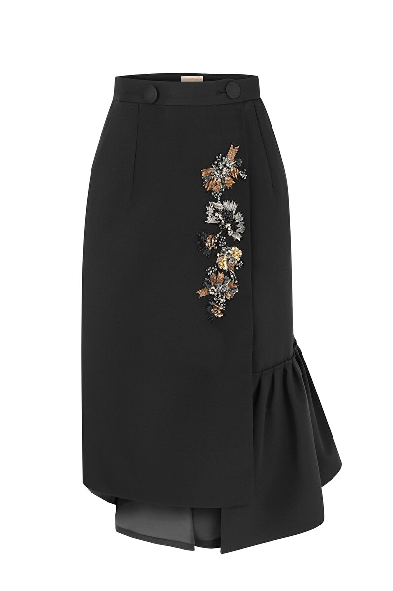 METALLIC FLOWER EMROIDERED MODULE ASYMMETRICAL RUFFLE DETAILED SATIN SKIRT