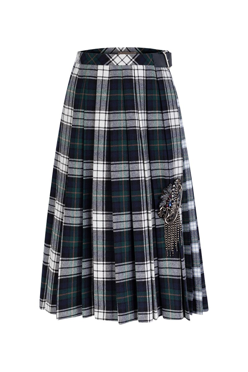 PLEATED SKIRT WITH PATTERN TRANSITION AND BROOCH